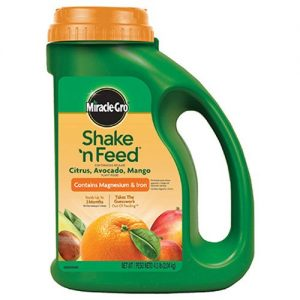Miracle-Gro-Shake-'n-Feed-300x300